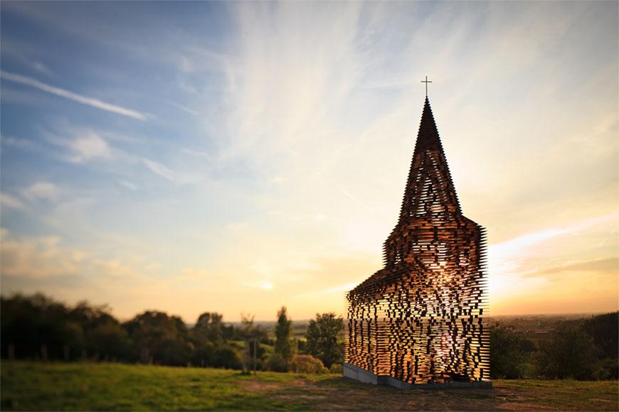 Doorkijk kerkje in Borgloon